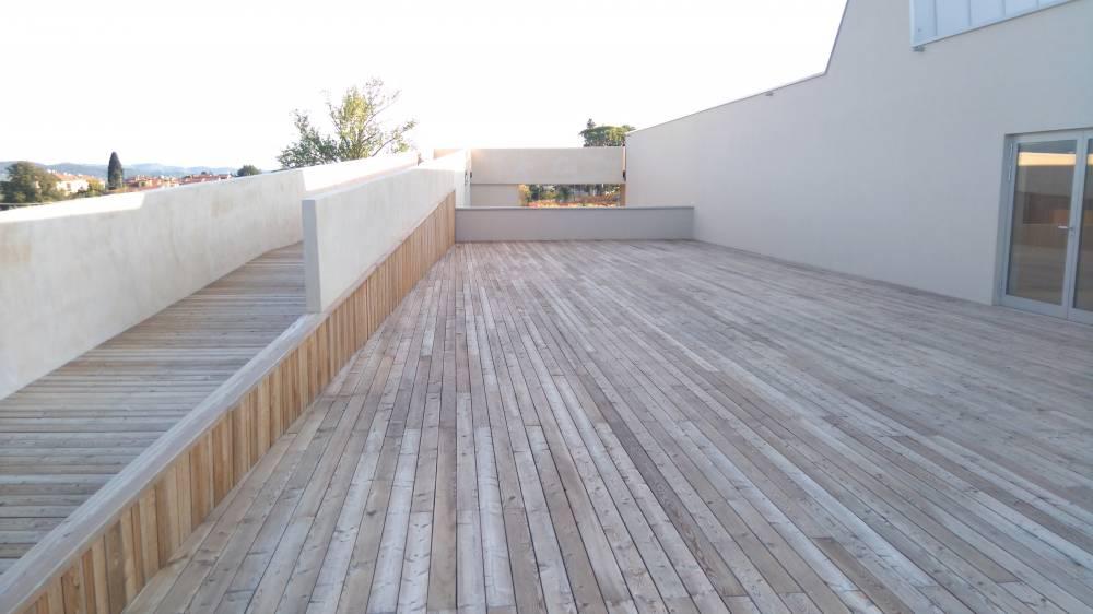 Pavimenti larice firenze fanik for Pavimento in legno interno